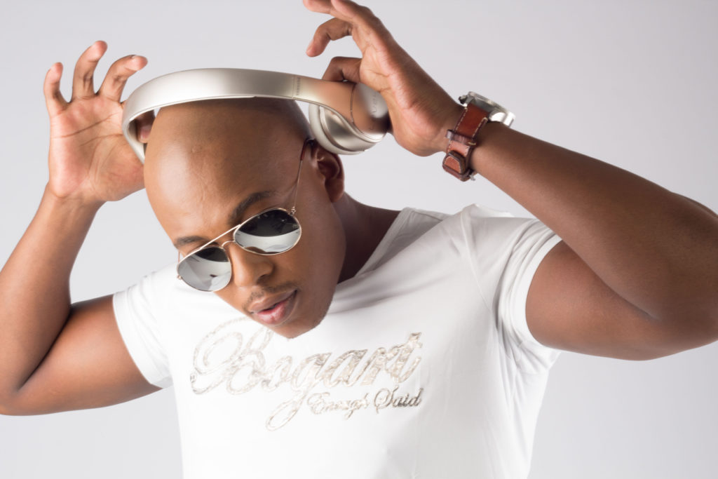 Studio Session Mobi Dixon9919