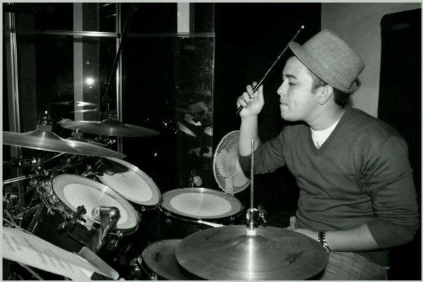 ree-morris-playing drums